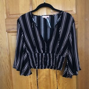 Re:named Striped Crop Top with Wide Sleeves
